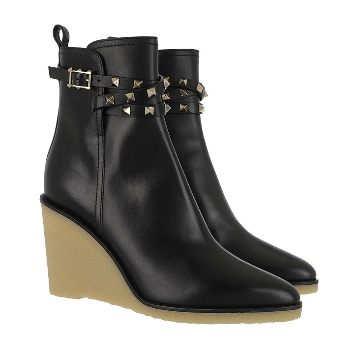Schuh, Valentino, Studs Ankle Boots Black