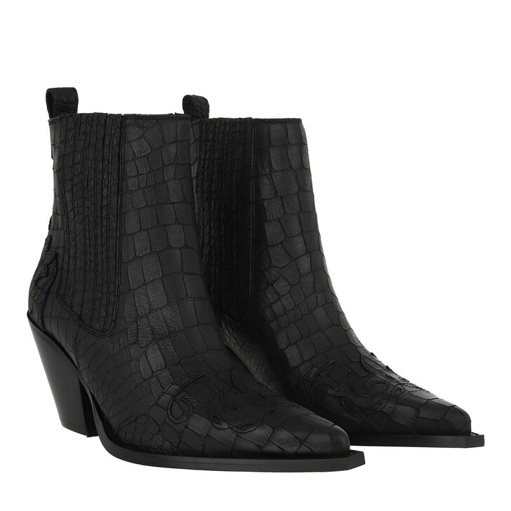 Schuh, Toral, Pointed Toe Suede Ankle Boots Negro