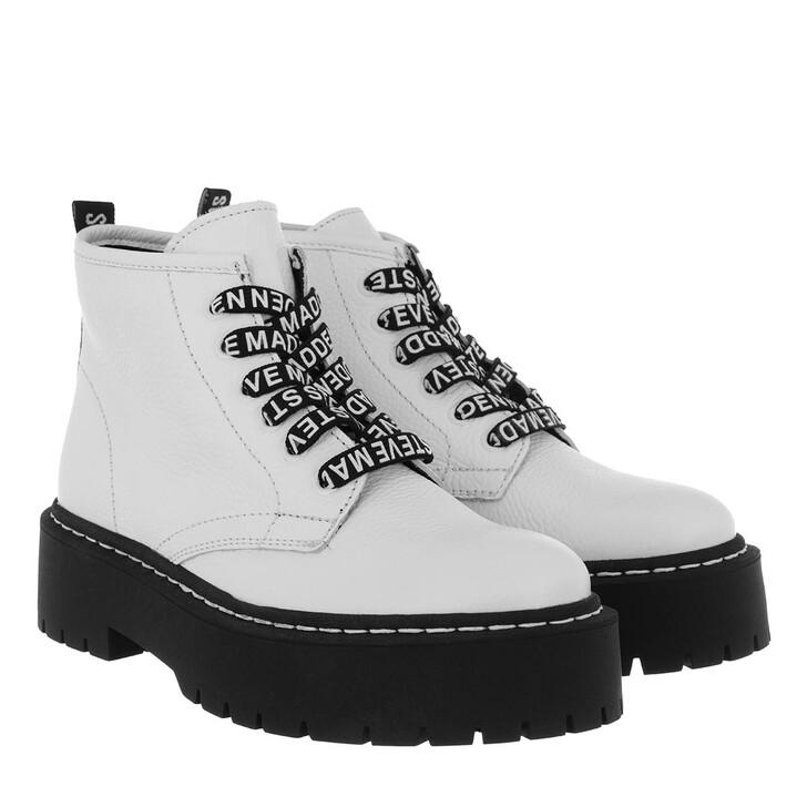 shoes, Steve Madden, Vlais Bootie White