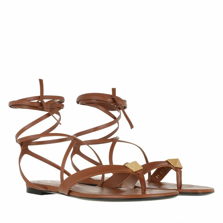 Schuh, Valentino Garavani, Roman Stud Flat Flip Flop Sandals Brown