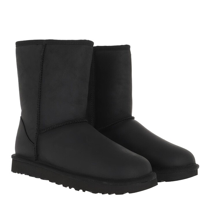 Schuh, UGG, W Classic Short Leather Black