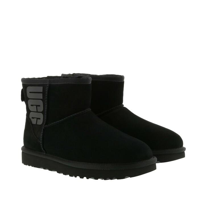 Schuh, UGG, Classic Mini Rubber Logo Boot Black