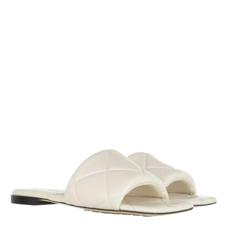 Schuh, Bottega Veneta, Lido Flat Sandals Ecru