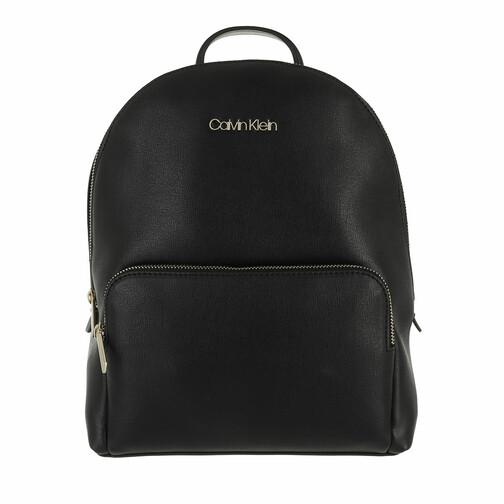 calvin klein -  Rucksack - Must Campus Backpack with Poet Medium - in schwarz - für Damen