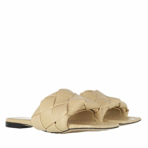 bottega veneta -  Loafers & Ballerinas - Lido Intrecciato Flat Sandals - in beige - für Damen